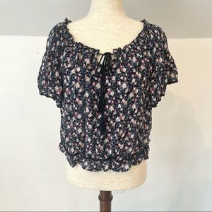 American Eagle floral peasant top size M